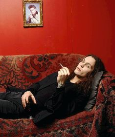A couch with Ville Valo could fit my livingroom  !