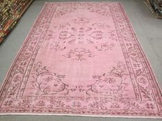 PALE FADED PINK OVERDYED RUG VINTAGE VICTORIAN STYLE RUG
