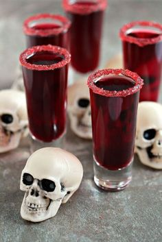 When you whip up this recipe with red wine and pomegranate juice, it creates the perfect blood red shade to spook all of your Halloween party guests. Click through for the recipe and more Halloween cocktails. Halloween Cocktails, Halloween Snacks, Comida De Halloween Ideas, Hallowen Food, Cheap Halloween, Halloween Dinner, Halloween Food For Party, Halloween Cupcakes, Spooky Halloween