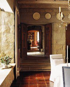 Inspiring Interiors: Best of John Saladino