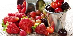Health Tip: Berries are small packets of good health. The much revered and coveted anti-oxidants are in abundance in berries and the bonus is that these are delicious too! Strawberry Fruit, Red Fruit, Strawberries, Best Superfoods, Holistic Nutrition, Stress Relief, How To Stay Healthy, Food To Make, Cherry