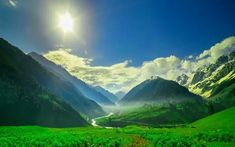 You can not stop yourself to Explore Top 5 Places to visit in Srinagar-Paradise on Earth. Let& plan your srinagar tour with your loved ones. Beautiful Places To Visit, Cool Places To Visit, Great Places, Srinagar, Paradise On Earth, Adventure Activities, Tourist Places, Landscape Photographers, Vacation Spots