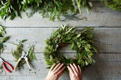 // How to Make a Wreath, Step by Step