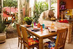 Veja como a decoração com pano de chita pode deixar a sua casa linda e muito mais charmosa! Confira!