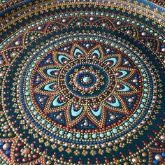 Фотографии на стене Юли Mandala Canvas, Mandala Dots, Mandala Pattern, Mandala Design, Dot Art Painting, Mandala Painting, Mandala Drawing, Stone Painting, Aboriginal Dot Art