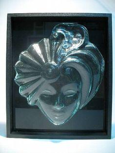 máscara decorativa p/ parede  vidro incolor moldura  mdf preto / fundo vidro ptreto 30 x 30 cm R$ 85,00