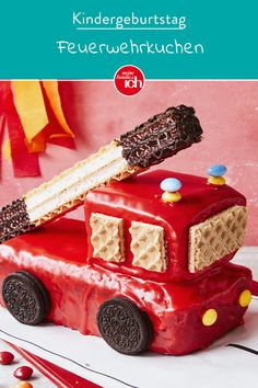 Feuerwehrkuchen à la Sam - Kindergeburtstag: Deko, Rezepte, Spielideen, Einladungskarten - Kuchen Easy Smoothie Recipes, Snack Recipes, Soup Recipes, Fire Engine Cake, Fireman Cake, Pumpkin Spice Cupcakes, Food Cakes, Fall Desserts, Ice Cream Recipes