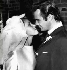 Burt Reynolds And Judy Carne, is listed (or ranked) 10 on the list 20 Rarely Seen Photos Of Old Hollywood Legends On Their Wedding Day Old Hollywood Wedding, Hollywood Couples, Vintage Hollywood, Classic Hollywood, Celebrity Wedding Photos, Celebrity Couples, Wedding Pics, Celebrity Weddings, Wedding Gowns