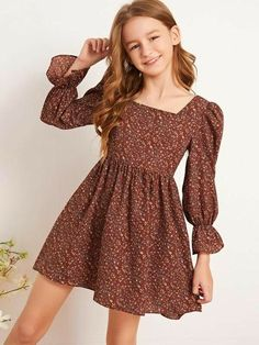 Stylish Dresses For Girls, Frocks For Girls, Kids Outfits Girls, Girls Fashion Clothes, Little Girl Dresses, Girl Fashion, Girl Outfits, Girls Dresses, Fashion Outfits