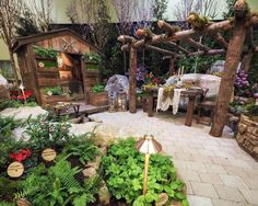 The #1 Trend In Gardening Right Now Is Extreme Naturalism - How to Get the Naturalism Look in Your Own Garden