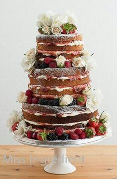 love the natural look of this cake