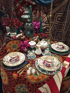 Hermes tablesetting at Michael C. Fina by Kemble and Van Wyck
