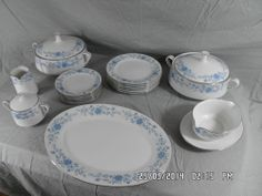 Vintage 43 piece  Dinner Service similar to Royal Crown Derby DERBY