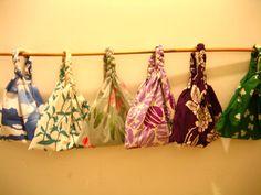 三つ編みバッグ2 Triangle Bag, Craft Projects, Projects To Try, Art Hoe Aesthetic, Craft Bags, Japanese Fabric, Handicraft, Sewing Crafts, Purses And Bags