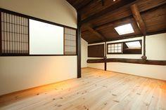 南棟 中柏野町::A-Studio一級建築士事務所 Divider, Room, Furniture, Home Decor, Bedroom, Decoration Home, Room Decor, Rooms, Home Furnishings
