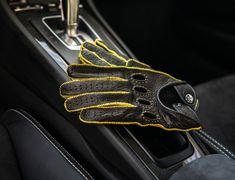 Driver's Essentials From OPINARI: Handmade Driving Gloves in Premium Quality. #drivinggloves #Drivetastefully #lamborghini #opinari #classicstyle #drivebetter #driveinstyle #madeinitaly #handcrafted #leathergoods #oldnewsclub #porsche #carreragt #fiat #getoutanddrive Retro Motorcycle, Motorcycle Gloves, Driving Gloves, Leather Box, Second Skin, Italian Style, Perfect Match, Fiat, Old And New