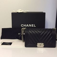 Chanel Boy Bag 100% authentic Chanel Boy bag in the Old Medium size with black…