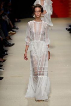Alberta Ferretti at Milan Fashion Week Spring 2016 - Livingly