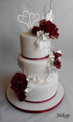 Wedding cake by Jitkap - http://cakesdecor.com/cakes/283419-wedding-cake