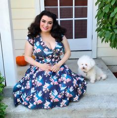 """🍒Yasmina Greco🍒 on Instagram: """"🤗I am so excited to see my sweet hubby @garyzface and my fluffy powderpuff Luna tomorrow🤗 . . 📸by my sweet hubby @garyzface Dress:…"""" Curvy Outfits, Hot Outfits, Pin Up Style, Short Sleeve Dresses, Bichon Frise, Retro, Pinup, Sweet, Model"""