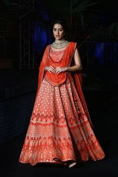 Looking for Bridal Lehenga for your wedding ? Dulhaniyaa curated the list of Best Bridal Wear Store with variety of Bridal Lehenga with their prices Indian Bridal Outfits, Pakistani Outfits, Indian Dresses, Bridal Dresses, Bridal Lehenga Choli, Designer Bridal Lehenga, Lehnga Dress, Indian Attire, Indian Ethnic Wear