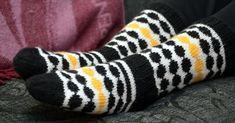 Wool Socks, Knitting Socks, Marimekko, Crafts To Do, Knit Crochet, Gloves, Sewing, Pattern, Handmade