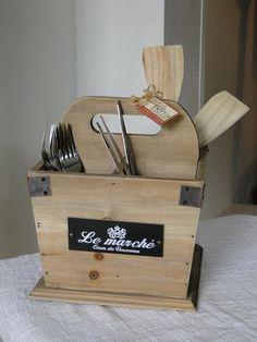 Caja para organizar los cubiertos... ideal para cuando tienes muchos invitados!!