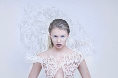Designer Francis Bitonti and Makerbot print fabulous flexible dress 3d Printing Business, 3d Printing Service, 3d Printed Dress, E Textiles, Queen Fashion, Body Adornment, Ice Queen, Future Fashion, Fashion Story