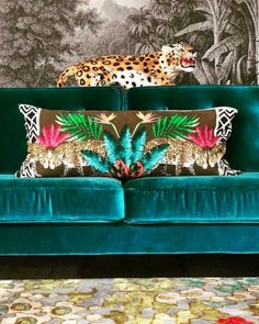 Funky home decor article topic Super funky funky room styling tactics and ideas. Funky Home Decor, Eclectic Decor, Cheap Home Decor, Boho Decor, Deco Addict, World Of Interiors, Chinoiserie, House Colors, Colorful Interiors
