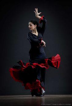 Flamenco Dancer, photo by David Sacks on Getty Images. Shall We Dance, Just Dance, Latin Dance, Dance Art, Dancer Photography, Spanish Dancer, Belly Dancing Classes, Dance Movement, Dance Poses
