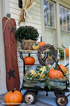 Fall Outdoor Decorating | Details on HoosierHomemade.com