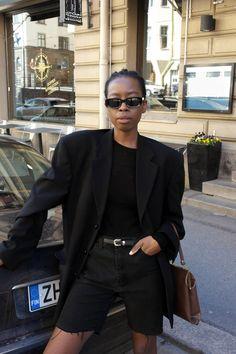 Suomalainen it-tyttö Sylvie - muotilehti Vogue jakoi asukuvia! Black Women Fashion, Look Fashion, Autumn Fashion, Fashion Outfits, Womens Fashion, Looks Total Black, Fall Inspiration, Jeans Boyfriend, Mode Jeans