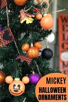 DIY Disney Halloween Ornaments: Mickey Jack-o'-Lantern - Sand and Snow Best Picture For Disney Home Mickey Mouse Ornaments, Disney Christmas Ornaments, Mickey Christmas, Halloween Christmas, Disneyland Christmas, Disney Holidays, Xmas, Disney Halloween Decorations, Mickey Halloween