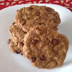 Cookies de aveia e gotas de chocolate sem glúten! Receita no blog!