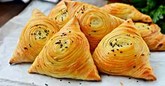 Samsa Uzbek puff Delicious, flaky, juicy and hearty samsa will appeal to everyone without exception. Save… by legin Sweet Recipes, Snack Recipes, Cooking Recipes, Samsa Recipe, Spinach Rolls, French Dessert Recipes, Delicious Desserts, Yummy Food, Bread Shaping