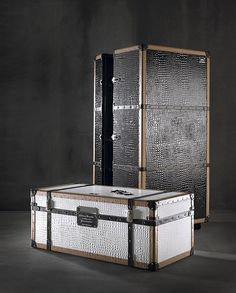 traveler bar cabinet and trunk by coleccion alexandra alexandra furniture