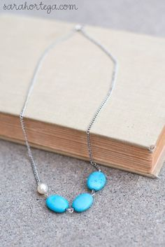 Sarah Ortega: diy {asymmetrical necklace}