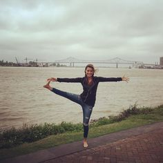 Make all the old comments you want.... But I managed to pull off this extended leg raise in 25 mile an hour winds and not fall in the raging Mississippi River. #still29 #birthdaymonth #mississippiriver #nola #lastday #frenchquarter #yoga #utthitahastapadangusthasana by meghankitchin