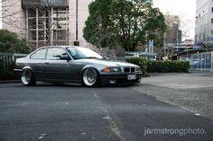 Granitesilber Non-M BMW e36 coupé on cult classic OZ Breyton wheels