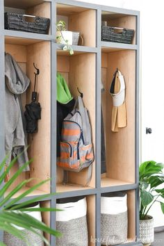 Gain extra storage in your home with this beautiful mudroom storage locker cabinet! The simple mudroom lockers have room to hold coats, backpacks, shoes and lots more. Housefulofhandmade.com #StorageLocker #MudroomIdeas #EntryWayIdeas Small House Decorating, Hallway Decorating, Entryway Decor, Decorating Tips, Woodworking Projects Diy, Pallet Projects, Home Projects, Hallway Inspiration, Laundry Room Inspiration