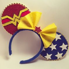 """Wonder Woman"" Minnie Mouse Disney Ears Source Instagram #WonderWoman #Comics… Disney Diy, Disney Crafts, Disney Food, Disney Cruise, Diy Mickey Mouse Ears, Disney Mickey Ears, Disney Headbands, Ear Headbands, Disneyland Ears"