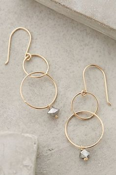 Bubble drop earrings http://rstyle.me/n/uk259nyg6