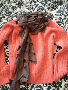 EAST T-SHIRT SCARF...I know, I know...you will doubt that this is simple...but folks...IT'S EASY!!  recycle an old t-shirt!