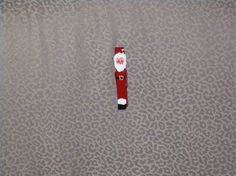 How to Make a Clothespin Santa Ornament thumbnail