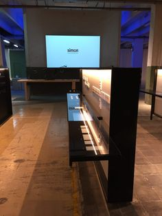 Mac Group showroom espacio Simon 100