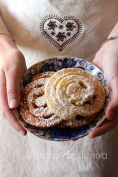 L'escargot de mardi gras INGREDIENTS: (pour 4 personnes) 200 g de farine 3 oeufs 150 ml de lait 1 sucre vanille zeste d'une 1/2 orange bio (optionelle) 1 c.à.soupe de sucre roux pincé de sel 1 c.à.soupe de vodka huile de pépins de raisin (ou autre neutre)...