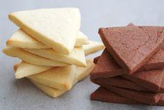 FacebookTwitterPinterestLinkedInLes biscuits fondants japonais sont des biscuits à base de farine, sucre, beurre, oeuf, extrait de vanille et poudre de cacao. Biscuits simples et traditionnels,Lire la suite