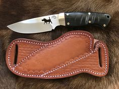 Kydex, Knife Sheath Making, Knife Holster, Custom Leather Holsters, Leather Workshop, Best Pocket Knife, Cool Knives, Handmade Knives, Leather Projects