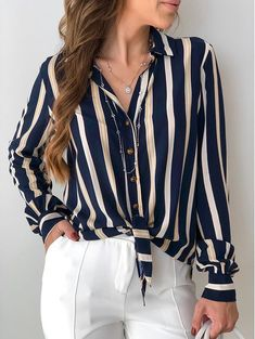 Camisa Listras Thamires in 2020 80s Fashion, Look Fashion, Korean Fashion, Girl Fashion, Fashion Outfits, Womens Fashion, Fashion Tips, Modest Fashion, Edgy Outfits