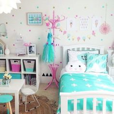 Girls bedroom ideas for little girls and toddler girls #GirlsBedroom